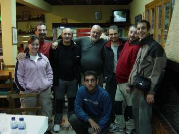 Ludy, Javi, Lucas, Julio, David, Miguel, Fran y Josek en el restaurante de la Pradera de Ordesa
