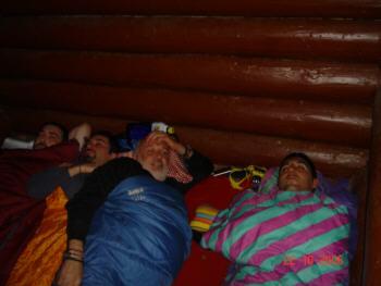 Miguel, Javi, Julio y Josek en el abrigo del Bosque de Hayas de Ordesa